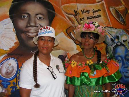 Murielle Leconte Et Son Mannequin - Haiti Star Parade