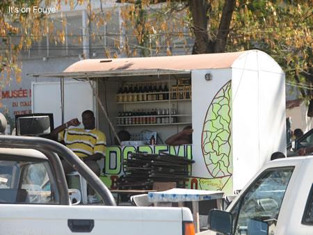Haiti kanaval 2008 bars restaurants champs de mars for Alez haitian cuisine
