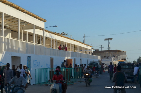Kanaval 2014 - Stands Construction - Gonaives Haiti - 26 Fev 2014