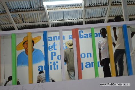 Gonaives Stand Kanaval - Fanm ak gason tet kole pou yon Ayiti pi djanm...