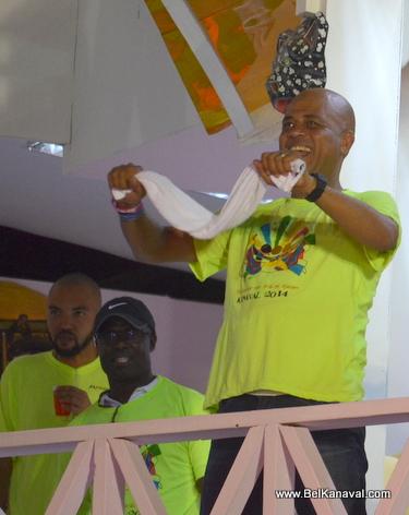 Gonaives Kanaval 2014 - President Martelly Sou Stand li ap danse