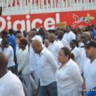 Haiti Kanaval 2015 - Mardi, President Martelly ak manm gouvenman li yo mache a pieds pou onore sa ki mouri yo