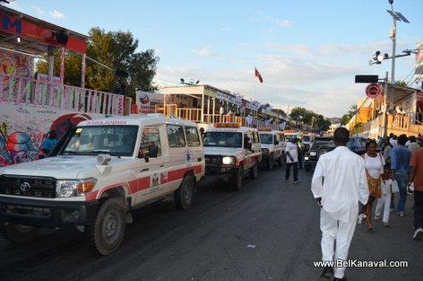 PHOTO: Haiti Kanaval 2015 - Mardi apre incident an
